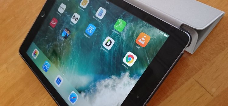 iPadケースは安物がいい